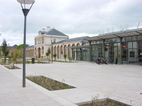 3EME PRIX AUX VICTOIRES DU PAYSAGE 2010 MOA : Ville de Vichy et Communauté d'Agglomération Vichy Val d'Allier MOE : INFRA Services et Villes et paysages